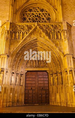 Apostles Gate  Santa María de Valencia Cathedral  Valencia  Comunidad Valenciana  Spain. - Stock Photo