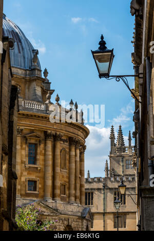 Radcliffe Square and the Camera viewed from the High Street Stock Photo