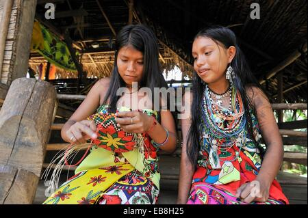 Esilda and her friends young teenagers Embera native