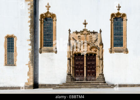 Portugal, the Beira Litoral, Coimbra, the Manueline Gothic style doorway to the Capela de São Miguel chapel, in - Stock Photo