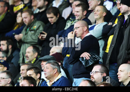 Kassam Stadium, Oxford Job name: sport Notes: FOOTBALL: Oxford United v AFC Wimbledon Pictured here is Oxford fans. - Stock Photo