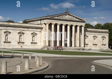 Germany, Bavaria, Munich, Koenigsplatz Square, Glyptothek. - Stock Photo
