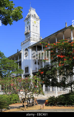 national museum house of wonders stone town zanzibar tanzania stock photo 25887655 alamy. Black Bedroom Furniture Sets. Home Design Ideas