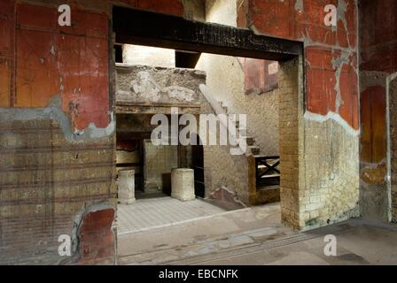 Italy campania region herculaneum house of neptune and for Piani casa del cortile