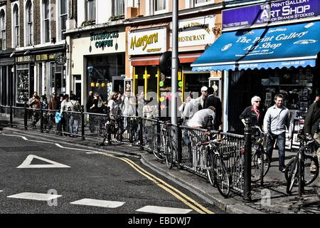 Shopping in Notting Hill GAte, London, England. - Stock Photo