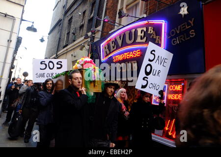 London, UK. 29th November, 2014. A Peace Party Procession & Vigil for London's Alternative Nightlife venues and - Stock Photo