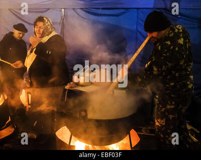 Kitchen of Maidan preparing hot food for participants of the rally. 29th Nov, 2014. -- At the Independence Square - Stock Photo