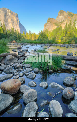 The iconic valley view in Yosemite National Park - Stock Photo