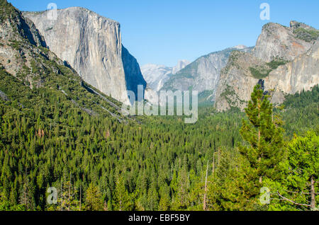 The iconic Tunnel View in Yosemite National Park - Stock Photo