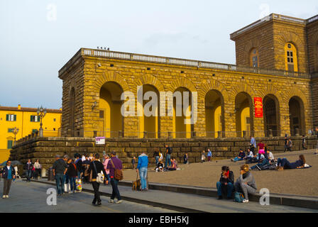 People in front of Palazzo Pitti, Piazza de Pitti, Oltrarno district, Florence, Tuscany, Italy - Stock Photo