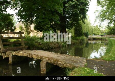River Eye crossing, Lower Slaughter - Stock Photo
