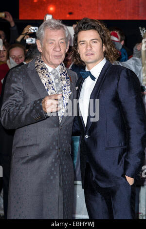 London, UK. 1st December, 2014. Ian McKellen and Orlando Bloom attends the The World Premiere of The Hobbit: The - Stock Photo