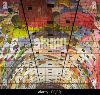 Market Hall Rotterdam, Rotterdam, Netherlands. Architect: MVRDV, 2014. View through glazing towards decorative mural - Stock Photo