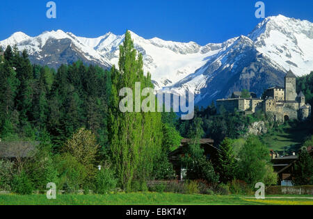 Taufers castle with the Zillertal Alps in the background, Italy, South Tyrol, Sand in Taufers - Stock Photo