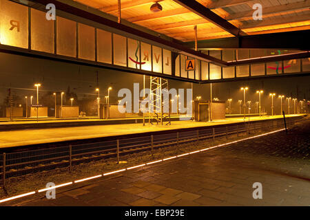Oberhausen railway station with museum train plattform 4/5, Germany, North Rhine-Westphalia, Ruhr Area, Oberhausen - Stock Photo