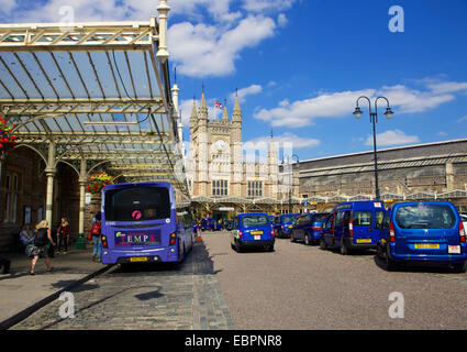 Bristol Temple Meads train station with taxis and buses outside, Bristol, England, United Kingdom, Europe - Stock Photo