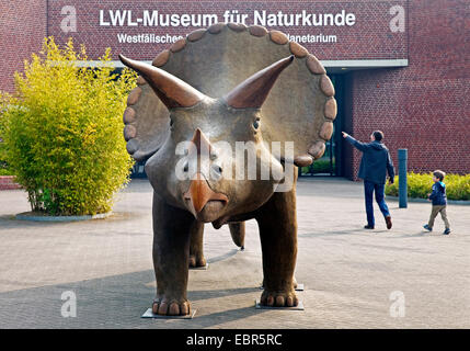 model of a dinasaur in front of museum of natural history, Germany, North Rhine-Westphalia, Muenster - Stock Photo