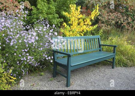 garden bench in autumn, Germany Stock Photo: 280217711 - Alamy
