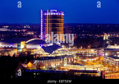 Neue Mitte Oberhausen, CentrO and Gasometer in evening light, Germany, North Rhine-Westphalia, Ruhr Area, Oberhausen - Stock Photo