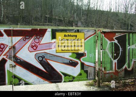 surface damages warning sign in Ruhr Area, Achtung Lebensgefahr, Bergbauschaeden. Betreten Verboten, Germany, North - Stock Photo