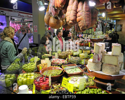 market stand with meat, olives and cheese, Spain, Balearen, Majorca, Palma de Mallorca - Stock Photo