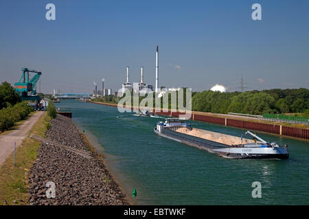 transport ships on the Wesel-Datteln Canal passing the coal harbour Auguste Victoria, Germany, North Rhine-Westphalia, - Stock Photo