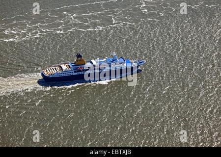 passenger liner Saga Pearl II on Elbe river, Germany, Lower Saxony - Stock Photo