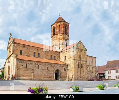 romanic church Saints-Pierre-et-Paul at Rue du General de Gaulle, France, Bas-Rhin, Alsace, Rosheim - Stock Photo