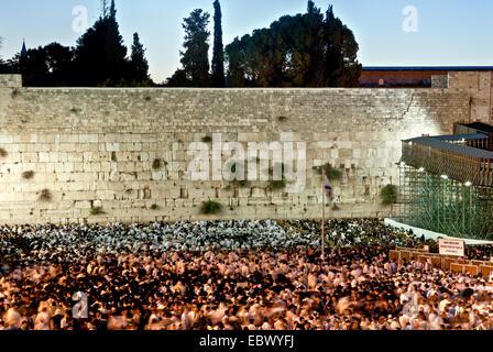 Jews Pray at the wailing wall, Old City, Jerusalem - Stock Photo