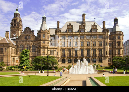 Town Hall with the Peace Gardens in front of it built 1897, United Kingdom, England, Sheffield - Stock Photo