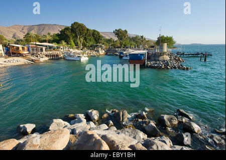 The little harbour of Ein Gev on the east coast of the lake of Galilee in Israel - Stock Photo