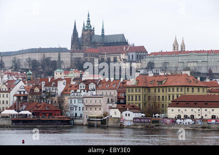Prague, Czech Republic. 04th Dec, 2014. The inner city with Castle Hradcany in Prague, Czech Republic, 04 December - Stock Photo