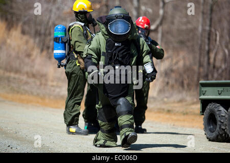 A US Marine Explosive Ordnance Disposal expert with the Chemical Biological Incident Response Force responds to - Stock Photo