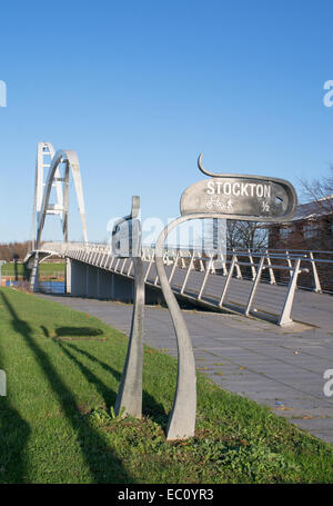 Cycle path and footpath sign leading to the Infiinity Bridge, Stockton, north east England, UK - Stock Photo