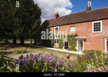 Jane Austen's House Museum, Chawton, Alton, Hampshire GU34 1SD . Jane Austen 's home from 1809 for the last 8 years - Stock Photo