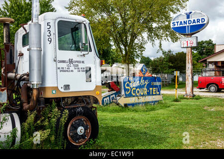 Illinois Staunton Main Street Historic Route 66 Henry's Ra66it Ranch old signs Americana truck cab rabbit - Stock Photo