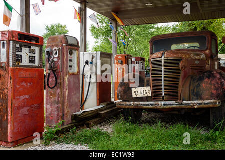 Illinois Staunton Main Street Historic Route 66 Henry's Ra66it Ranch old gas pumps petrol antique truck Americana - Stock Photo