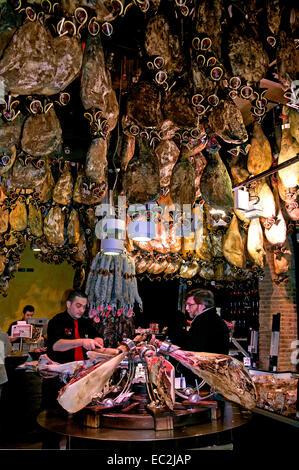 Jamon serrano spanish ham la boqueria market barcelona - Calle boqueria barcelona ...