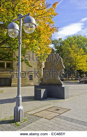 Memorial to honour the German polymath Gottfried Wilhelm Leibniz on the Georgsplatz Square in Hannover, Germany - Stock Photo
