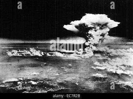 An aerial photograph of Hiroshima, Japan, shortly after the 'Little Boy' atomic bomb was dropped. Dated 1945 - Stock Photo