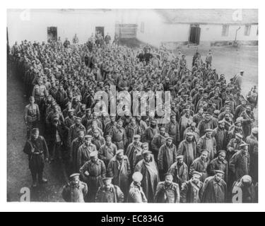 large group of Russian soldiers captured by the defenders of Przemysl; Poland; during World War One, 1915 - Stock Photo
