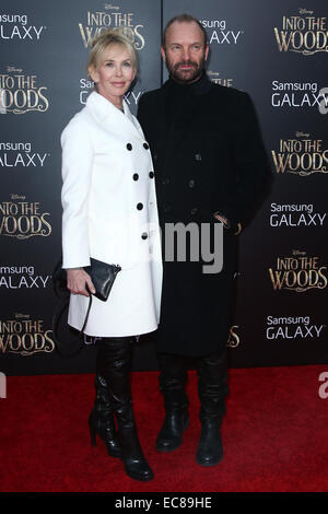 New York, USA. 8th December, 2014. Singer Sting (R) and wife Trudie Styler attend the 'Into The Woods' premiere at the Ziegfeld Theatre on December 8, 2014 in New York City. Credit:  Debby Wong/Alamy Live News