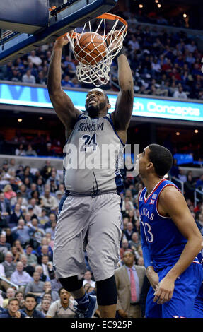 Washington, DC, USA. 10th Dec, 2014. 201411210 - Georgetown center Joshua Smith (24) dunks against Kansas in the - Stock Photo