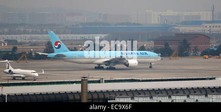 Seoul, South Korea. 10th December 2014. An airplane of Korean Air Lines (KAL) is seen at Gimpo International airport, - Stock Photo