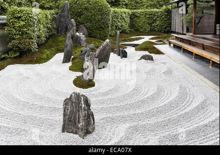 Zuiho-in zen temple, Daitoku-ji, Kyoto, Japan. Rocks and gravel in the South Garden - Stock Photo