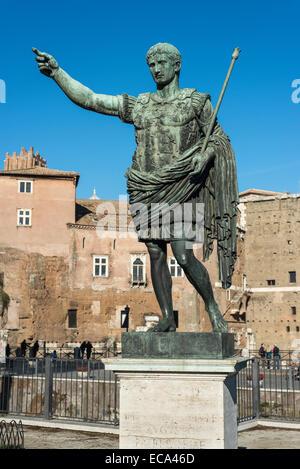 Bronze statue of the Roman Emperor Augustus, Via dei Fori Imperiali, Rione I Monti, Rome, Lazio, Italy - Stock Photo