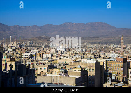 Overlooking the old city of Sana'a, UNESCO World Heritage Site, Sana'a, Yemen - Stock Photo
