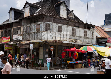 Mauritius, Port Louis, Rue Royale, old Moslem owned corner shop, in colonial era building - Stock Photo