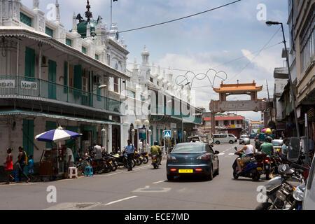 Mauritius, Port Louis, Rue Royale, Jummah Mosque and Chinatown gateway - Stock Photo