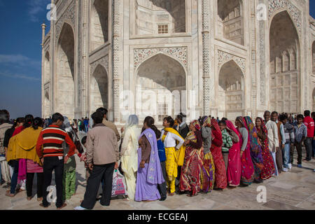 Indian tourists queuing at the Taj Mahal, Agra, India - Stock Photo